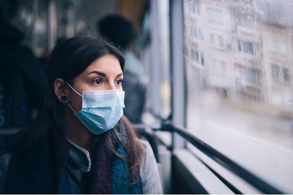 Чи потрібно вакцинованим носити маски?