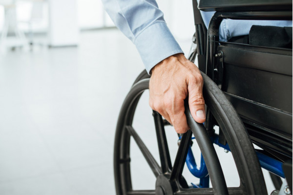 Кабмін підтримав законопроєкт щодо працевлаштування осіб з інвалідністю